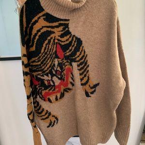 H&M Lion Creature Oversized Knit Jumper 🦁